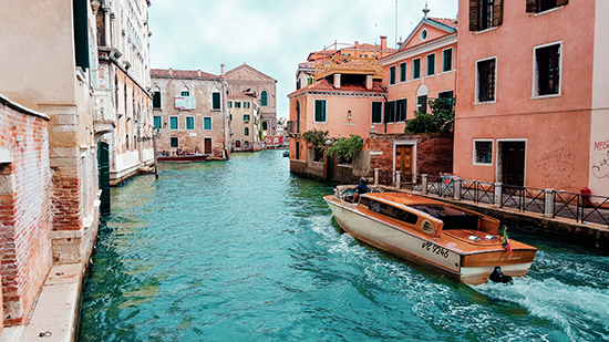 explore-canal-city-adventure