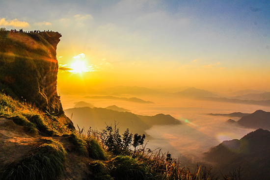 mountains-explore-adventure